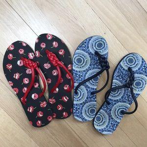 Two pairs of vera Bradley flip-flops